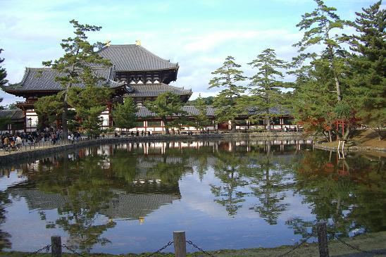 この池が鏡池だというのを初めて知りました。ナルホド.jpg